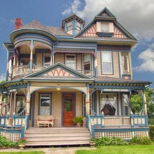 1897 Queen Anne in Osceola IA on the market is on the National & State Register of Historic Places