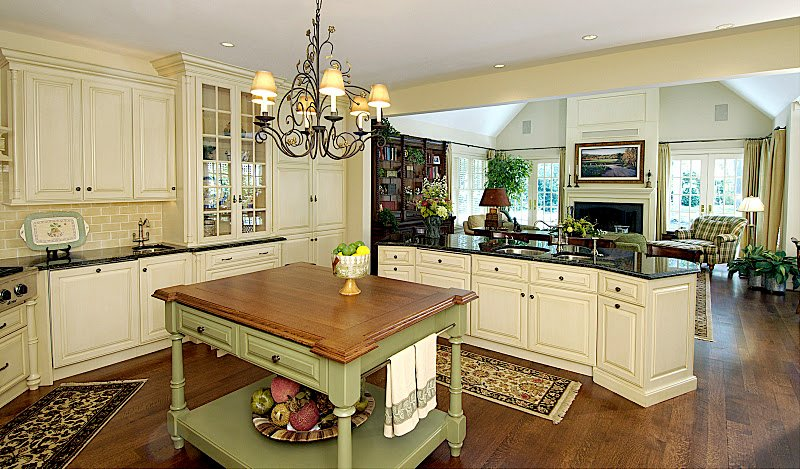 Beau English Country Kitchen