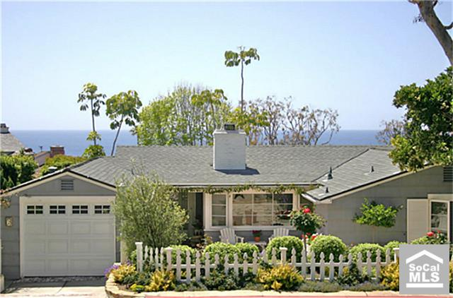 Beach Cottage in Laguna, California For Sale