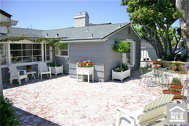 Beach cottage in laguna california for sale for Cheap cottages