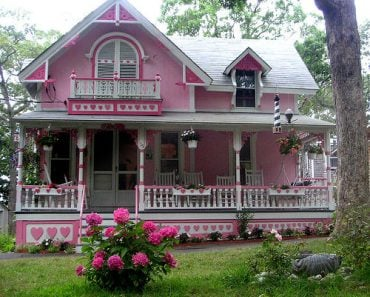 pink house with hearts 2