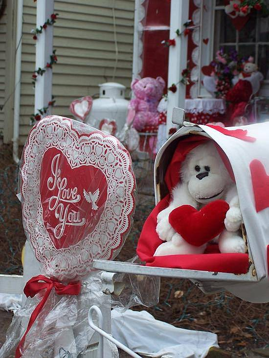mailbox decorated for Valentine's Day