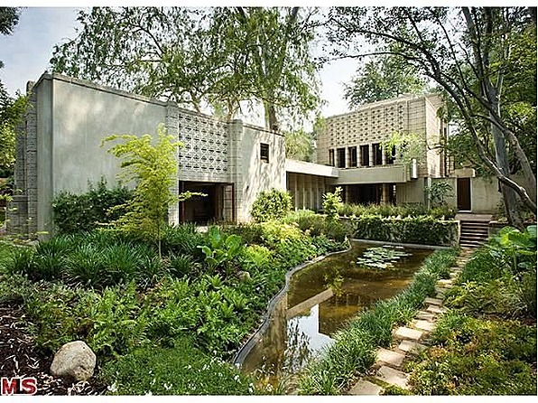 For sale famous frank lloyd wright homes for Frank loyd wright house
