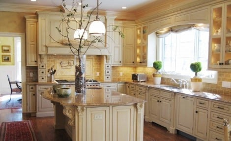 Cream Is A Safe Alternative If You Are Afraid Of Colored Kitchen Cabinets And This Charming Elegant At The Same Time