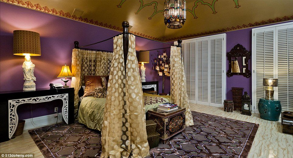 For sale christina aguilera 39 s beverly hills house Purple and gold bedrooms