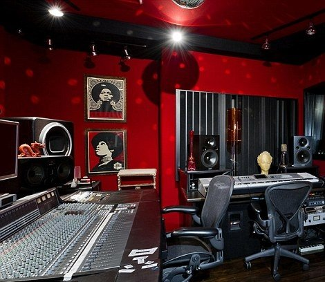 For sale christina aguilera 39 s beverly hills house for Home with recording studio for sale