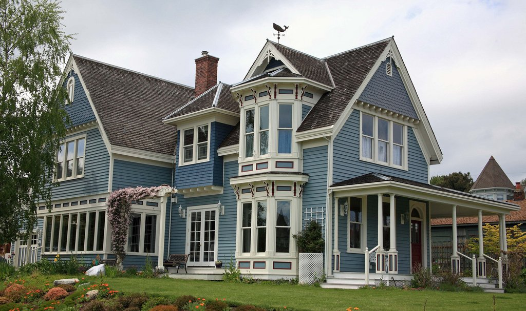 Victorian Houses Are Eye Candy - Love this classy Victorian house