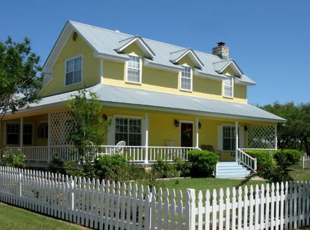 Image Yellow house 2