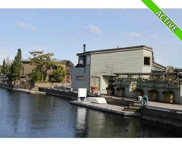 Houseboat in Seattle for sale