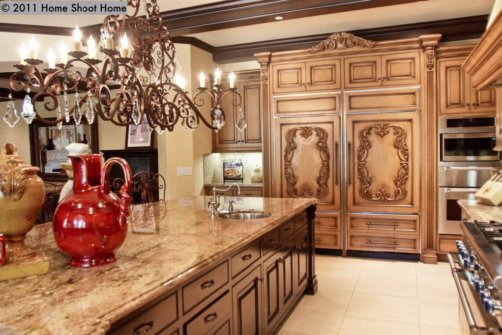 Spanish mediterranean house for Kitchen cabinets in spanish