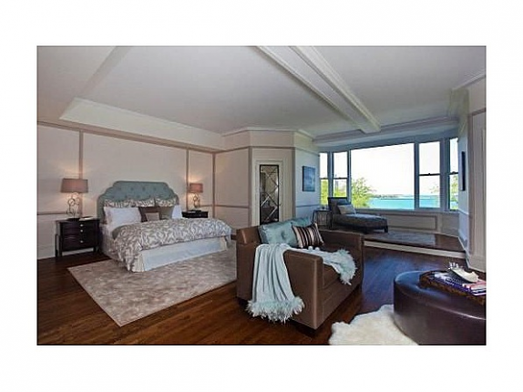 Oprah's Chicago Condo - Master bedroom