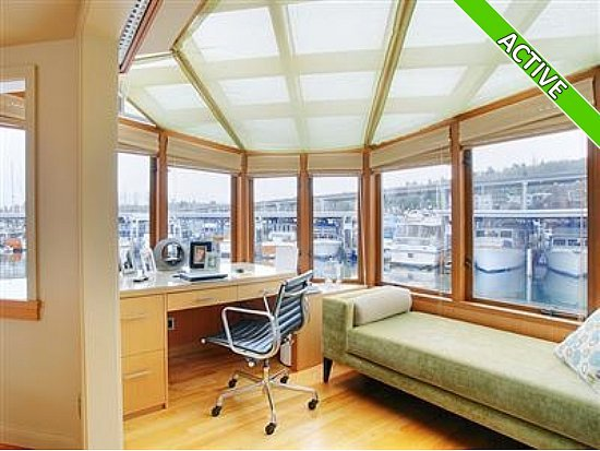 office in houseboat
