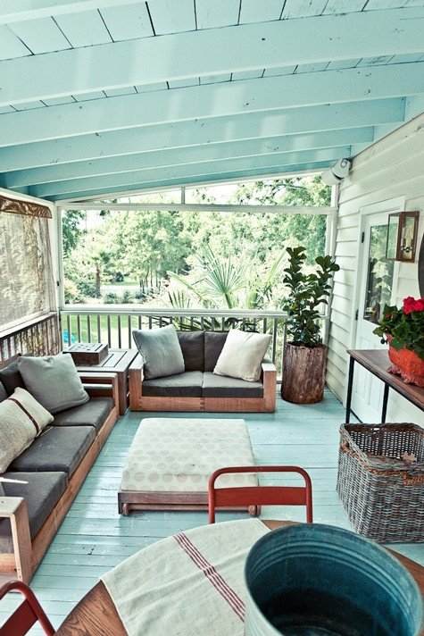 Turquoise barbie house Screened in porch decor