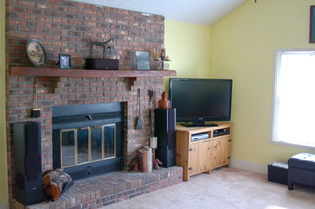 Kentucky horse farm for sale family room with fireplace