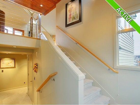 houseboat stairway image