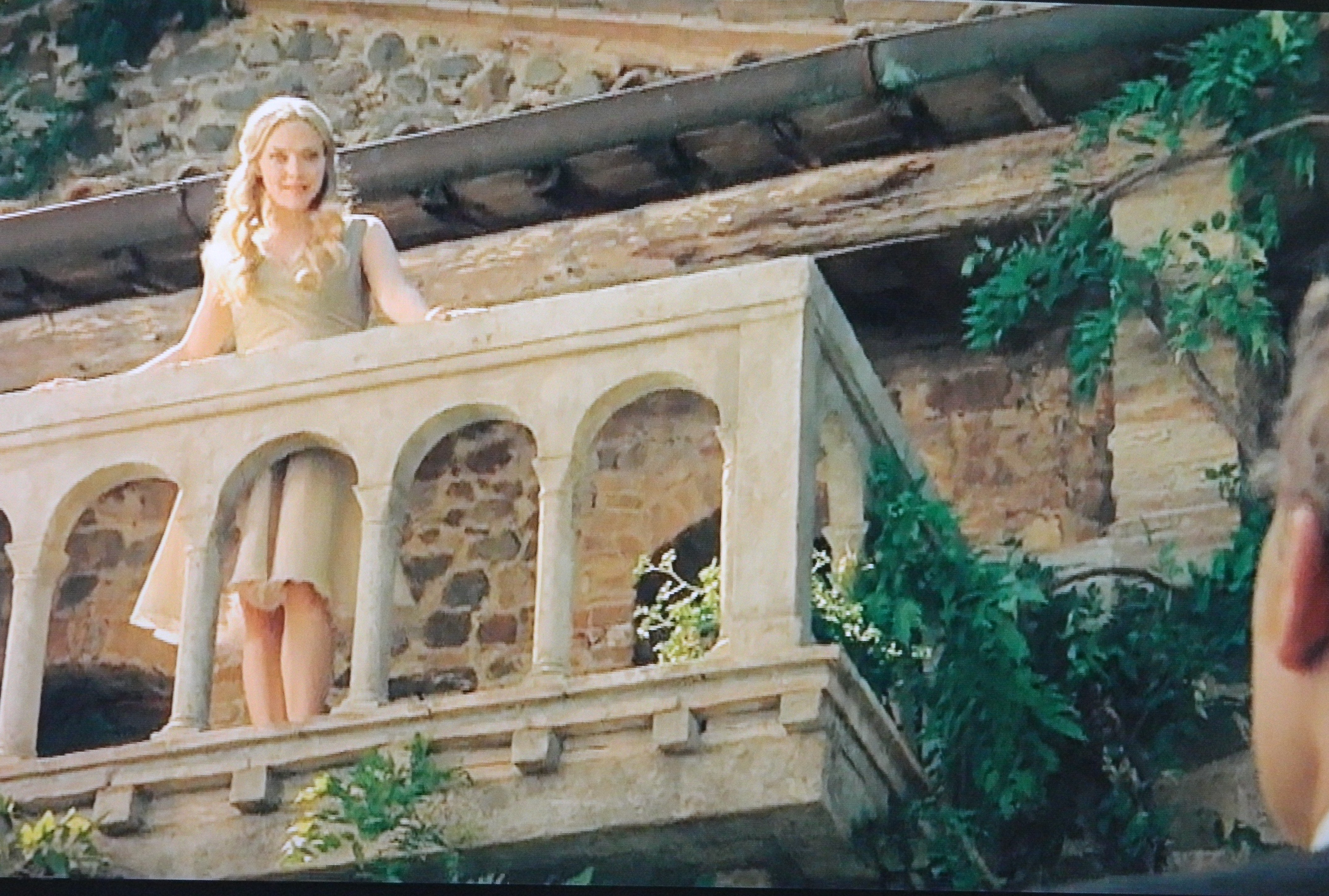 Letters to juliet for The balcony film