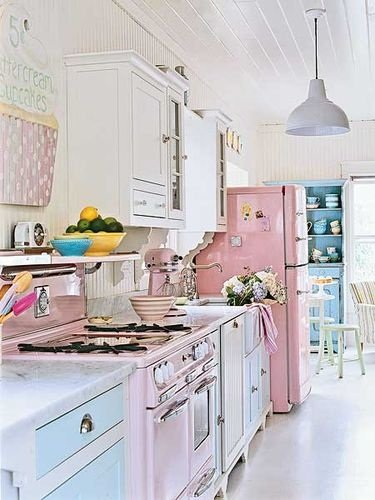 retro kitchen via pinterest
