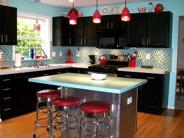 Retro kitchen island and stools