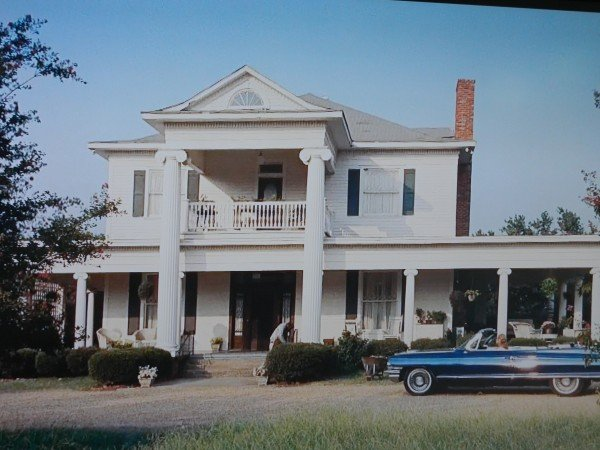 The Help movie house scene- Skeeter Phelan house