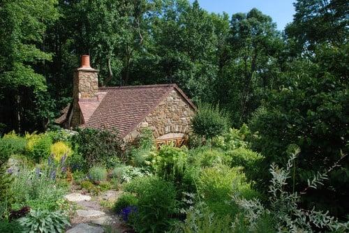 Hobbit House- A genuine Hobbit guest house