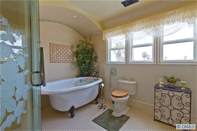 Victorian house Bathroom