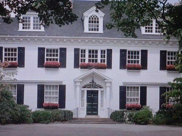 The money pit movie house tom hanks and shelly long for Long windows for sale