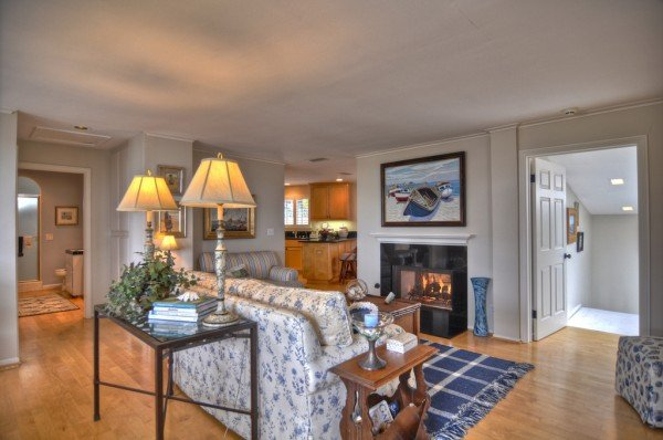 living room photo cottage