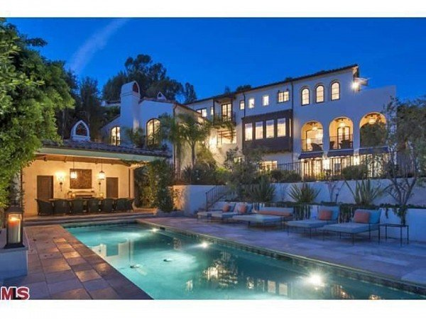 Celebrity Hillary Swank's House in Pacific Palisades California