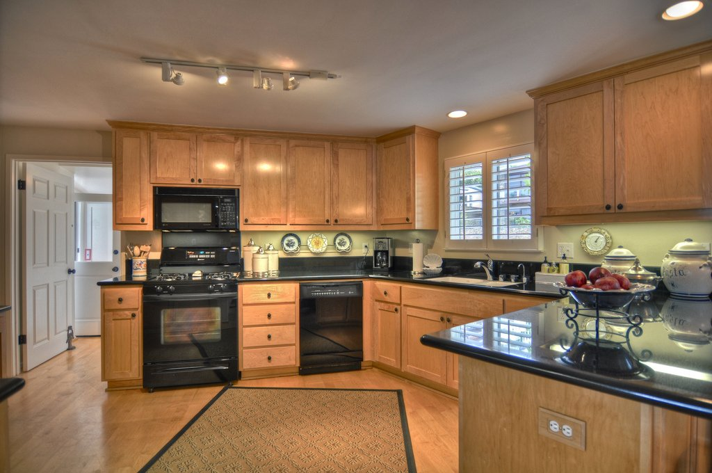 Kitchen Paint Colors Black Appliances