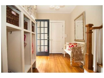 House with mudroom