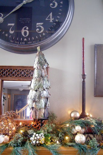 Glowing Christmas mantle decor ideas