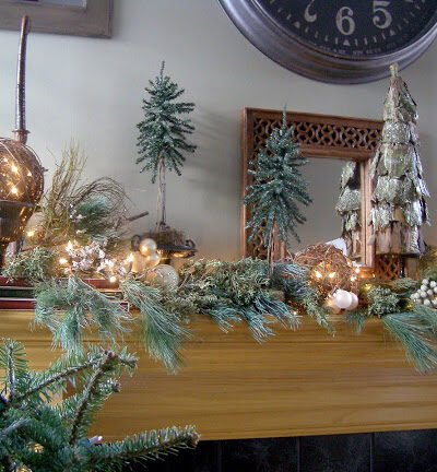 How to decorate Christmas mantle
