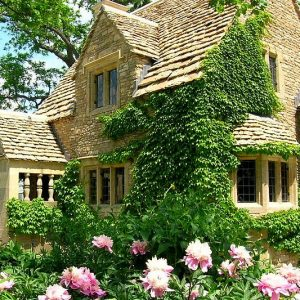 Cotswold Cottage in England