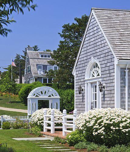 Polhemus Savery DaSilva Cape Cod House Renovation