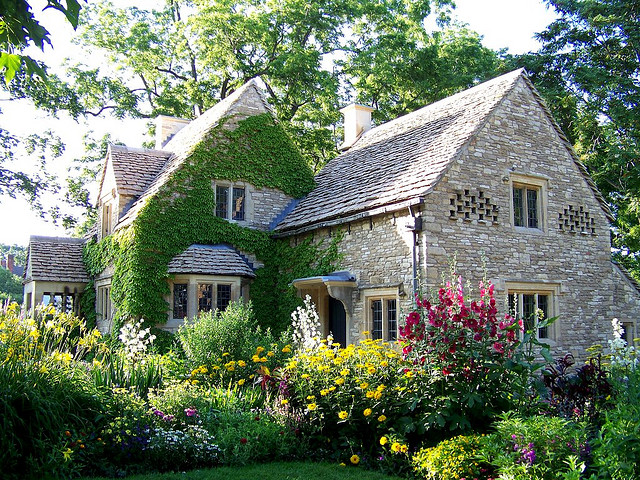 Astounding Country Cotswold Cottage Largest Home Design Picture Inspirations Pitcheantrous
