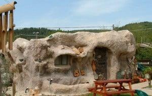 bedrock_house_01