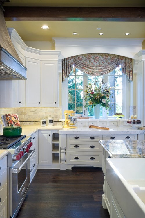 Kitchen by Alan Mascord Design Associates