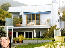 Robert Redford sells Malibu CA beach house 2001