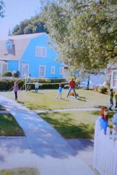 TV houses - Lowe's TV Commercial