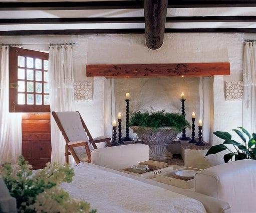 Douglas Bermuda guest bedroom