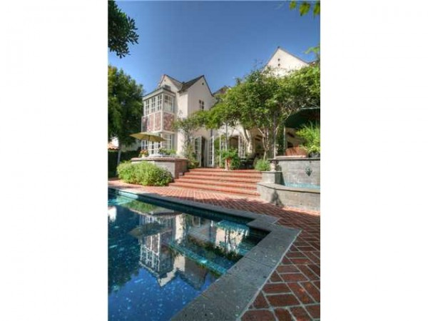 Pool at La Jolla CA real estate for sale