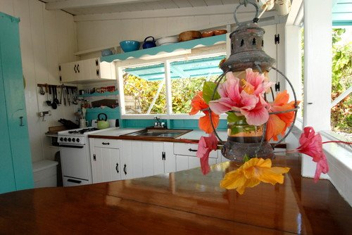 Tropical Island Kitchen : Tropical Cottage Style House in the Bahamas