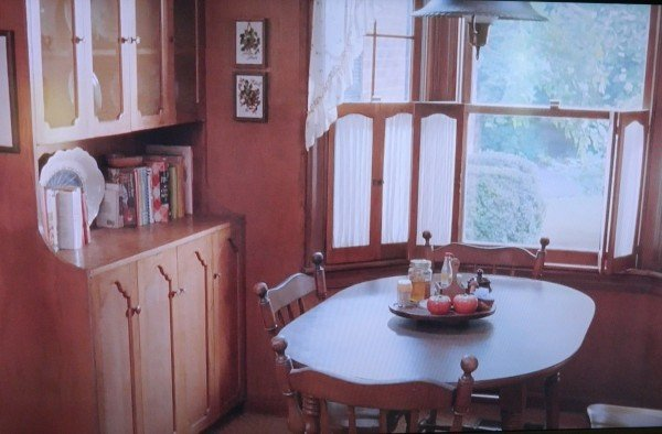 Kitchen table in movie Junebug