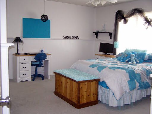 Turquoise bedroom makover