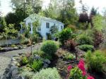 Tiny House Cottage Is A Gardeners Delight