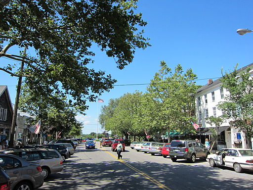 Main_Street_Sag_Harbor,_New_York_