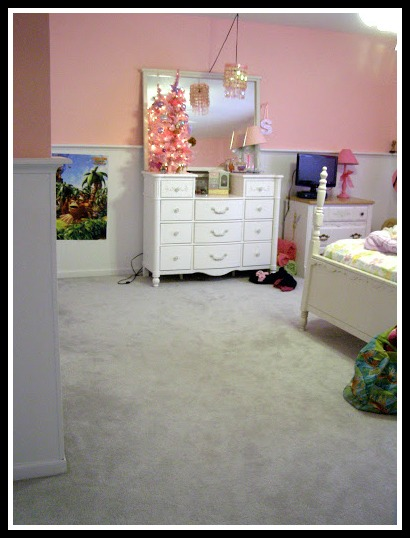 Pink bedroom before makeover
