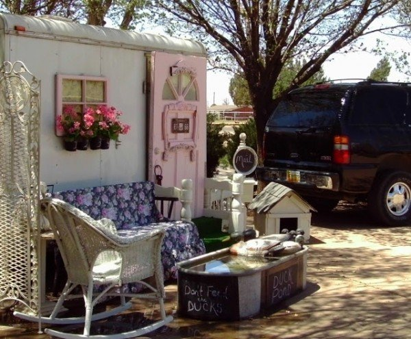 Cottage Trailer via My Vintage Home