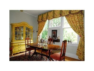 Dining Room B&B Atlanta Georgia