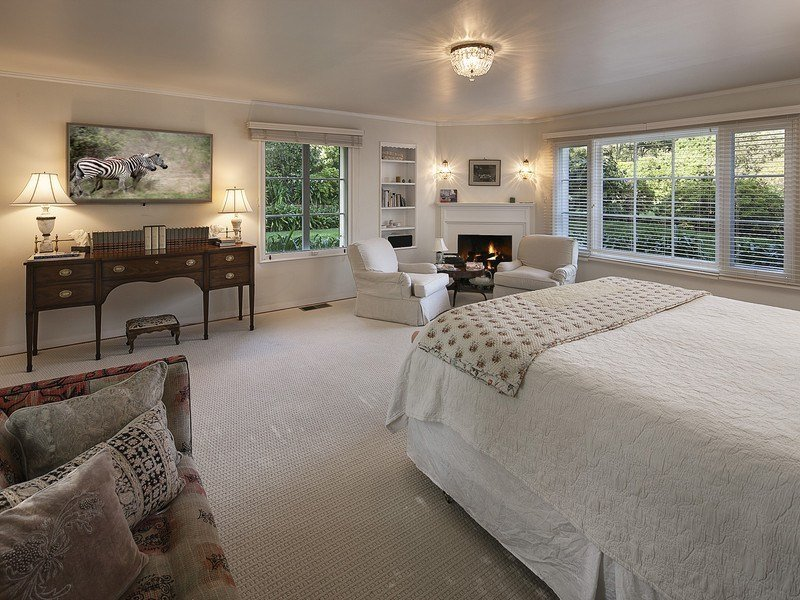 Drew barrymore montecito house is 7 500 000 Master bedroom upstairs or downstairs